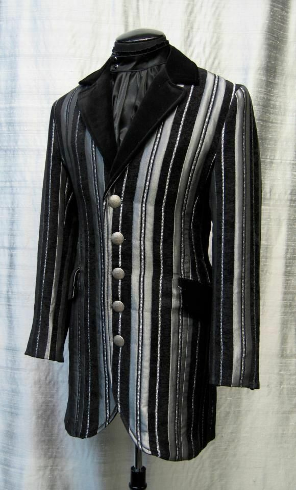 SHRINE GOTHIC VAMPIRE DINNER VICTORIAN SILVER PIRAT COAT JACKET STEAMPUNK Clothing, Shoes & Accessories
