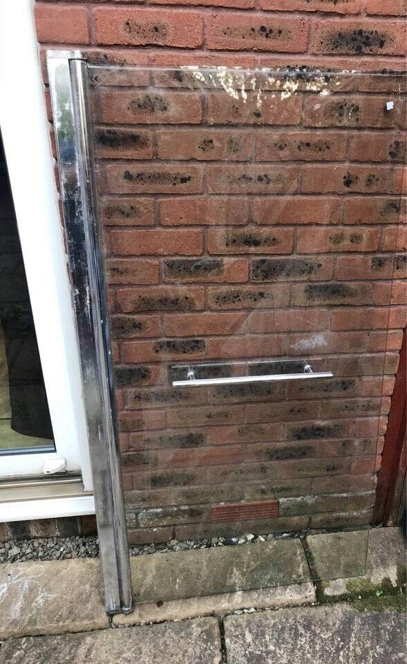 bath glass door shower screen  in newport road cardiff