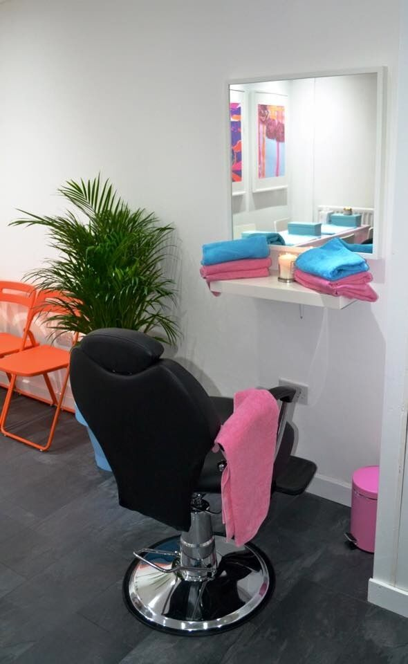 TREATMENT ROOM TO RENT, BROW/LASH BAR TO RENT, NAIL BAR TO RENT
