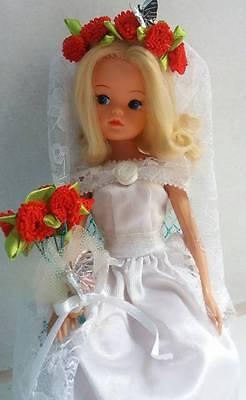 Pedigree Vintage Sindy in bridal outfit