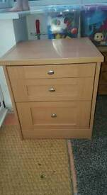 Bedside cabinet/ small chest of drawers