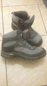 Womens Walking Boots, Size 5