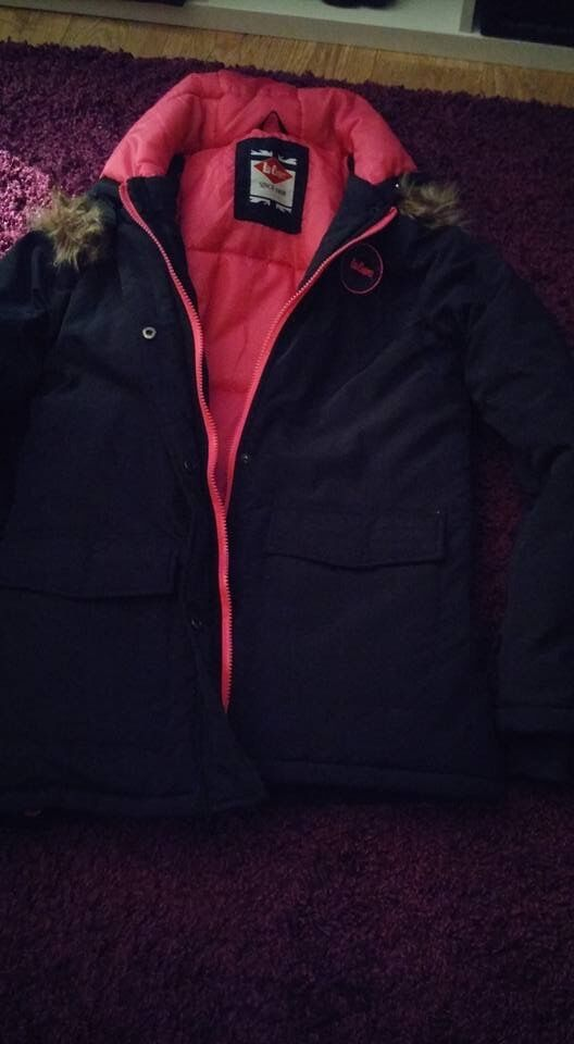 Womens Size 12 Lee Cooper Coat (More a 10Worn Twicein Cheadle, ManchesterGumtree - Womens Size 12 (10) Womens Coat. Only worn twice so as new. Nice and warm. Grab yourself a bargain