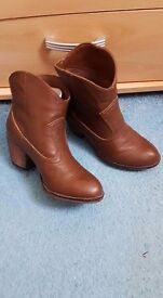 Rocket dog ankle boots,size 4 brand new