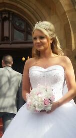 Stunning Princess style wedding dress