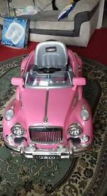 Motorised pink rolls royce Full working order. Excelent conditons only used twice