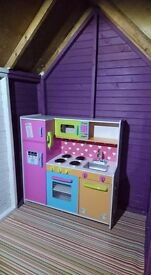Wooden Kitchen And Accessories £80 ovno