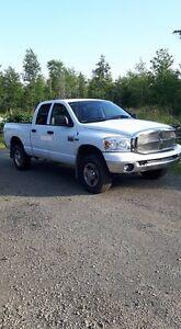 Dodge Ram 2500 quad cab 4x4
