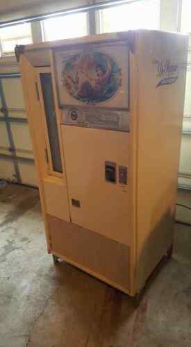 Rare Dr. Pepper Queen Anne Soda Machine c.1970
