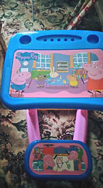 peppa pig table/chair mint con