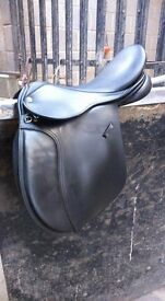 Black leather Minster gp saddle 17.5""