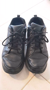 Rockport size 10 nursing shoes