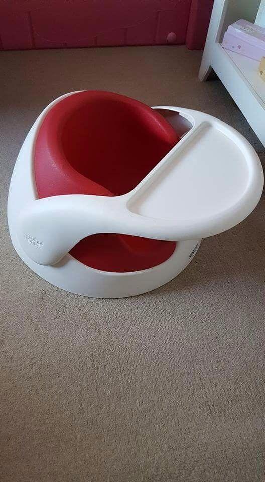 Mamas and papas red snug floor seat