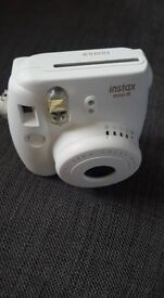 New in Box Fujifilm Instax Mini 8 - White (+ 1 film)