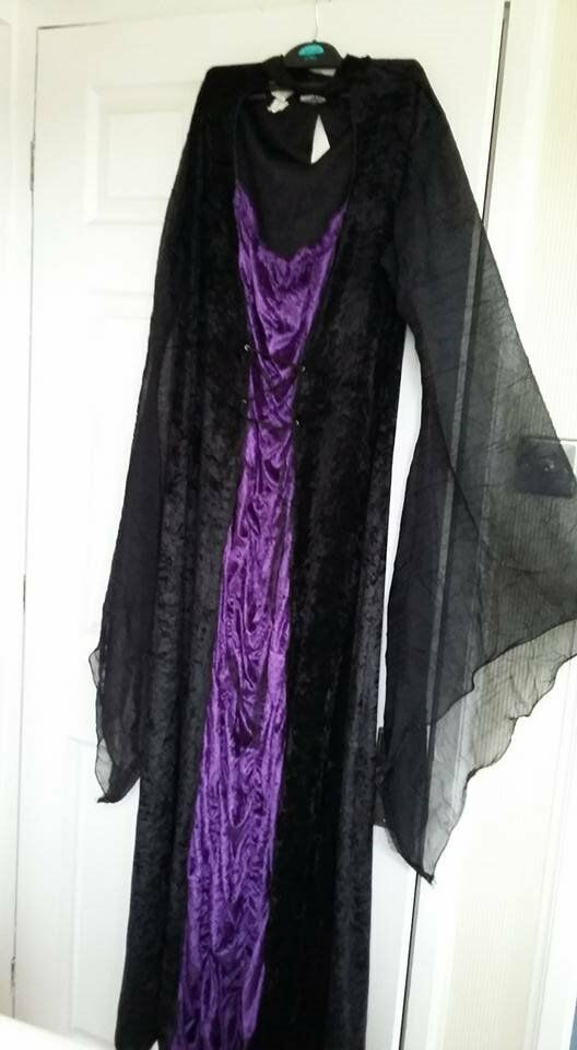 halloween vampire outfit size 16-24