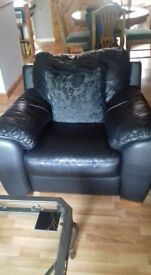 Black leather sofa & X2 Armchairs