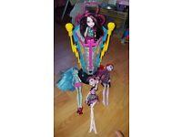 Monster High Shock Machine and Dolls