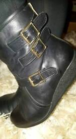 MODA IN PELLE black leather ankle boots size 8/41