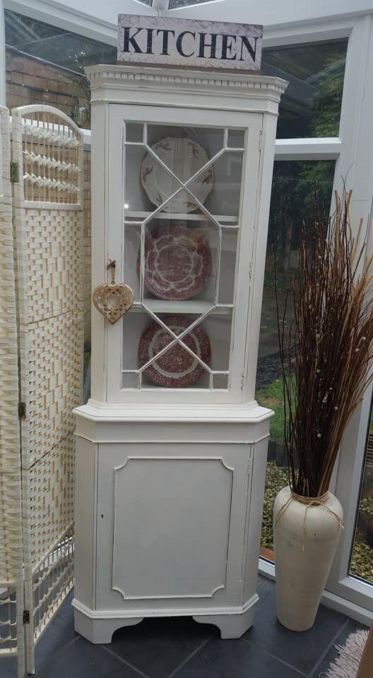 Superbe Shabby Chic Corner Display Cabinet