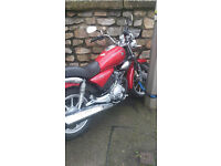 Yamaha YBR 125 custom, 150 miles on the clock, some scratches and needs battery