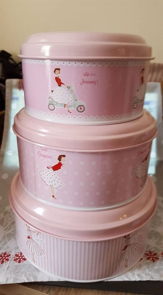 MRS.SMITHS CAKE TINS,BRAND NEW,