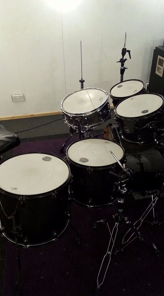 hi.. i'm drumer and looking for band to play
