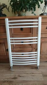 "32"" x 20"" White Towel Rail"