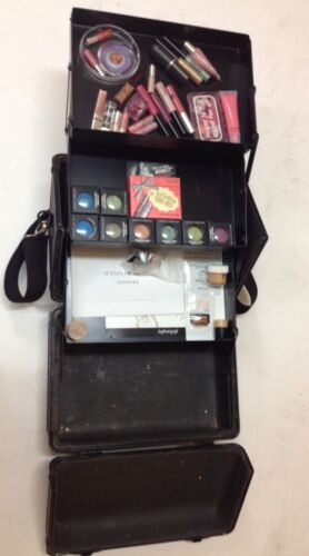 Mac Cosmetics Train Case - For Sale Classifieds