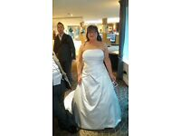 SHAUNA wedding dress by Rosetta nicolini for berketex brides. Complete with hoop. Fit size 16-20