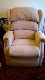 HSL Electric Riser Recline Chair