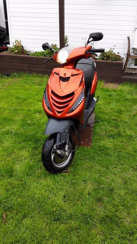 Piaggio zip 125cc SP scooter moped 12 months MOT delivery available not vespa lambretta gilera 50cc