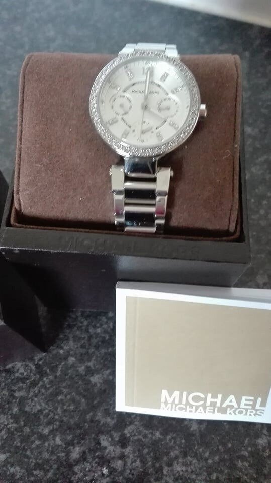 d887c5b8412f Michael Kors Ladies Mini Parker Silver Watch MK5615 - Stainless Steel.  Brand NEW and GENUINE.