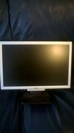 19' ACER monitor