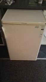 White Electrolux undercounter fridge freezer in great condition