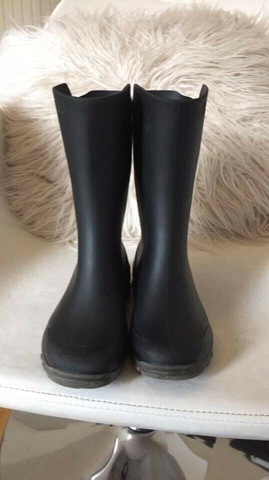 e96d3f55db2f Kids children s boys girls black wellies boots wellingtons size 12 worn  once good as new collect s8