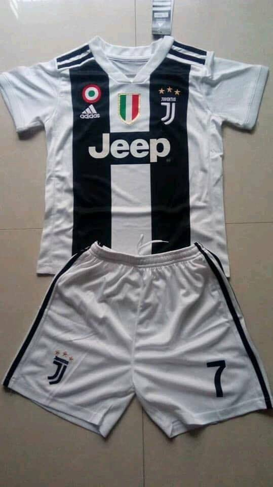 9571eb7c9 Juventus Ronaldo 7 football shirt home and 3rd new with tags