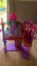 barbie house and barbies