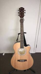 Acoustic Guitar with accessories!! Wollert Whittlesea Area Preview