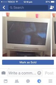 """32"""" Phillips Tv & Stand ( Silver ) £35 excellent Condition Selling Due to House Move"""
