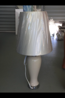 Elegant white lamp in outstanding condition