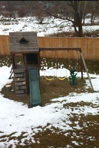 Ridgeview Clubhouse Swing Set