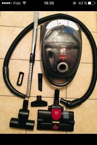 Aspirateur Bissell sans sac comme neuf