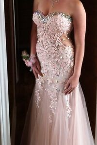 Stunning Mori Lee Prom Gown size 7/8