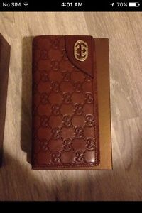 Brand  new Gucci leather wallet for sale/exchange
