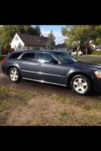 2007 Dodge Magnum SXT (low kms!!!)