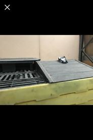 Car spill tray bays drainers comercial