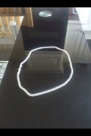 Silver curved necklace
