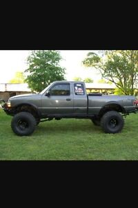 Looking for a 4x4 Ford ranger