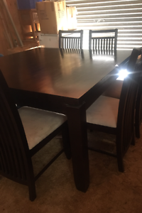 Dinning setting - 8 Seater Watson North Canberra Preview