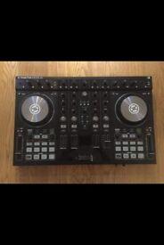 TRAKTOR S4 DJ CONTROLLER MIXER